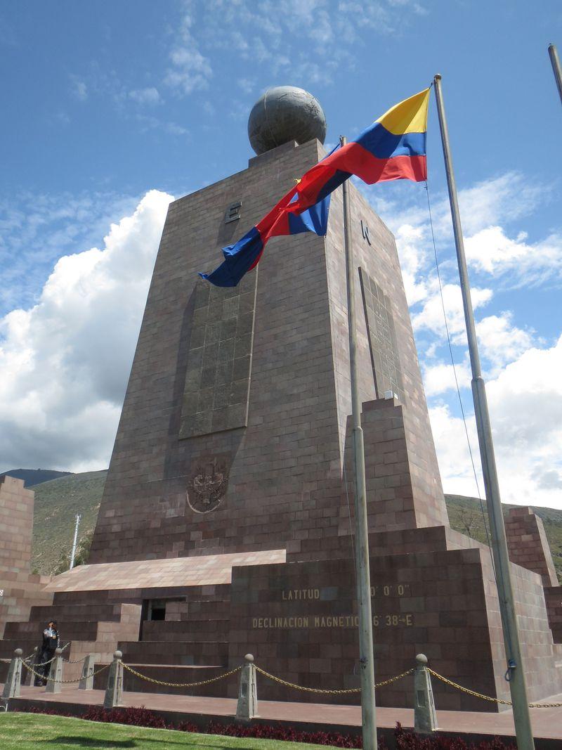首都が赤道に一番近い国!エクアドルで赤道直下を体感