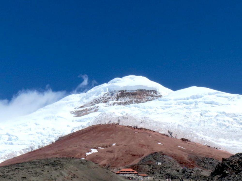 エクアドルのコトパクシ山、4000mから自転車でダウンヒル