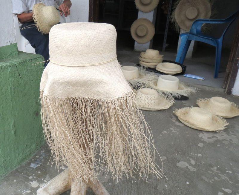 本当のパナマ・ハットを求めて、300万円のエクアドル産帽子に出会う旅