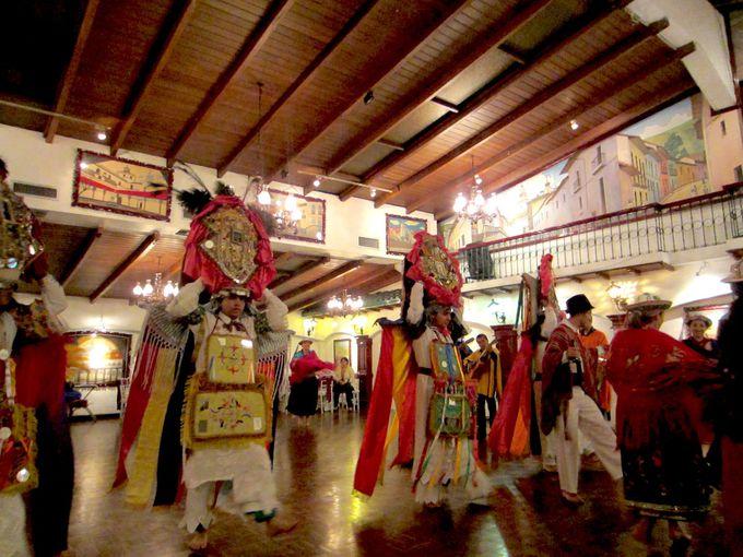 アンデスの豊かな伝統文化も食事と当時に楽しもう