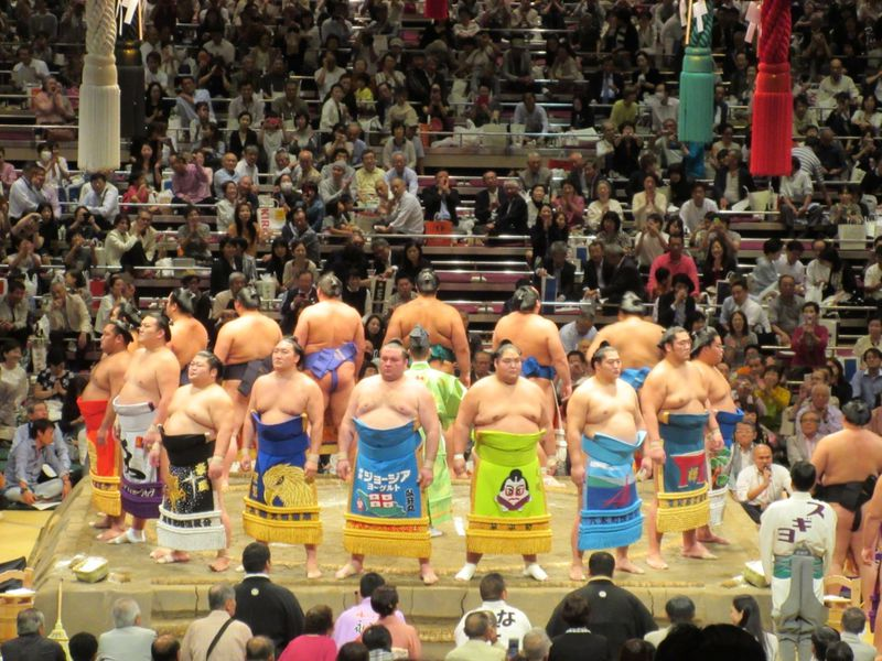 まさに芸術!東京・両国国技館での「大相撲」は一度は観るべし