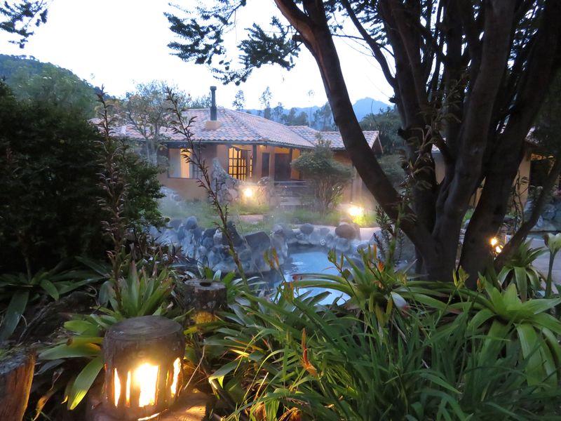 富士山の高さで露天風呂!?エクアドル・アンデスの温泉「テルマス・パパジャクタ」