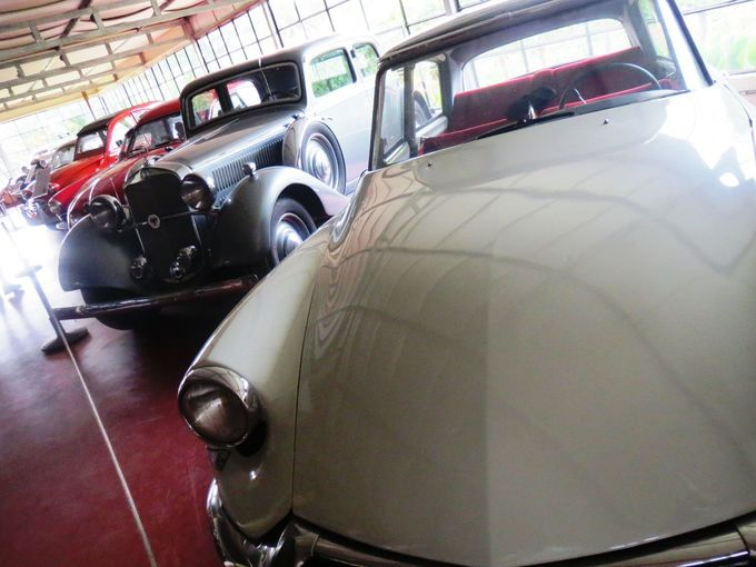 クラシックカー博物館!?