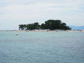 知る人ぞ知る「北陸のハワイ」!福井県敦賀市「水島海水浴場」