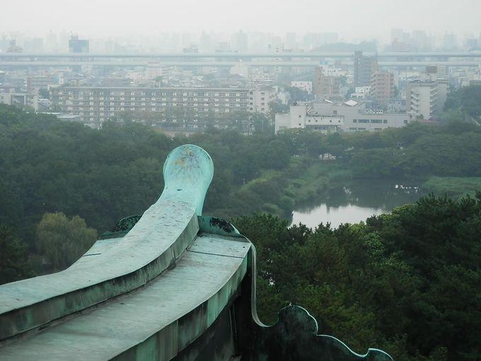 天守から城内と名古屋の街の大きさが伺える。