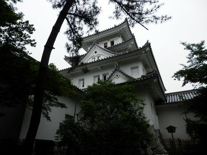 先ずは大垣のシンボル、大垣城から小旅行のスタート