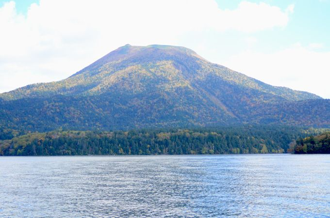 マリモの棲む神秘の湖「阿寒湖」で遊覧船観光を