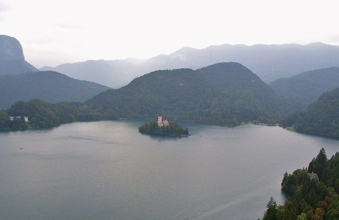 神秘の湖と鍾乳洞が織りなす絶景の国『スロベニア』
