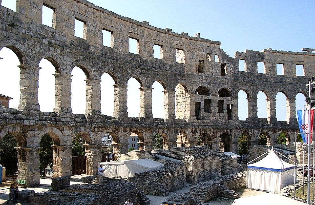 プーラのコロッセオ「円形競技場」