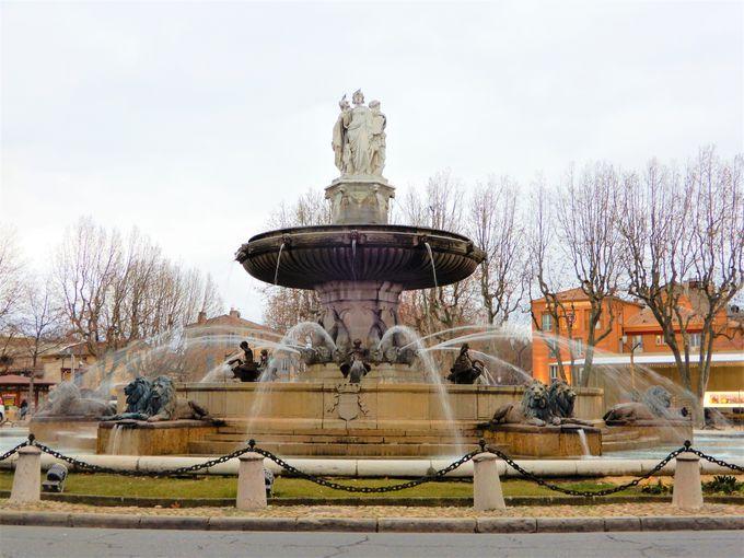 セザンヌが愛した泉の街