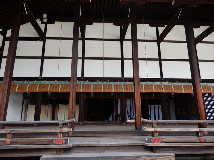 かつての内裏の正殿「紫宸殿」と日常生活の場「清涼殿」