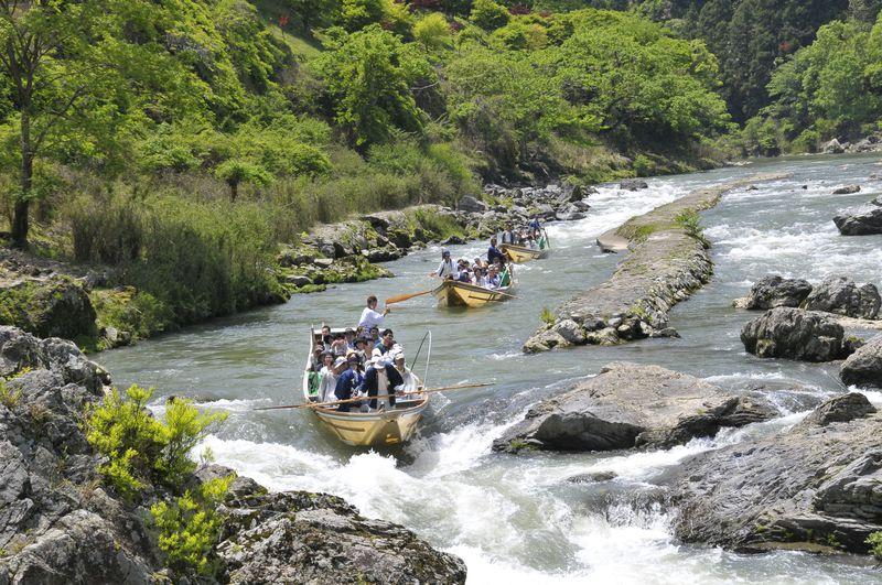 京都亀岡〜嵐山「保津川下り」で日本一の感動を!