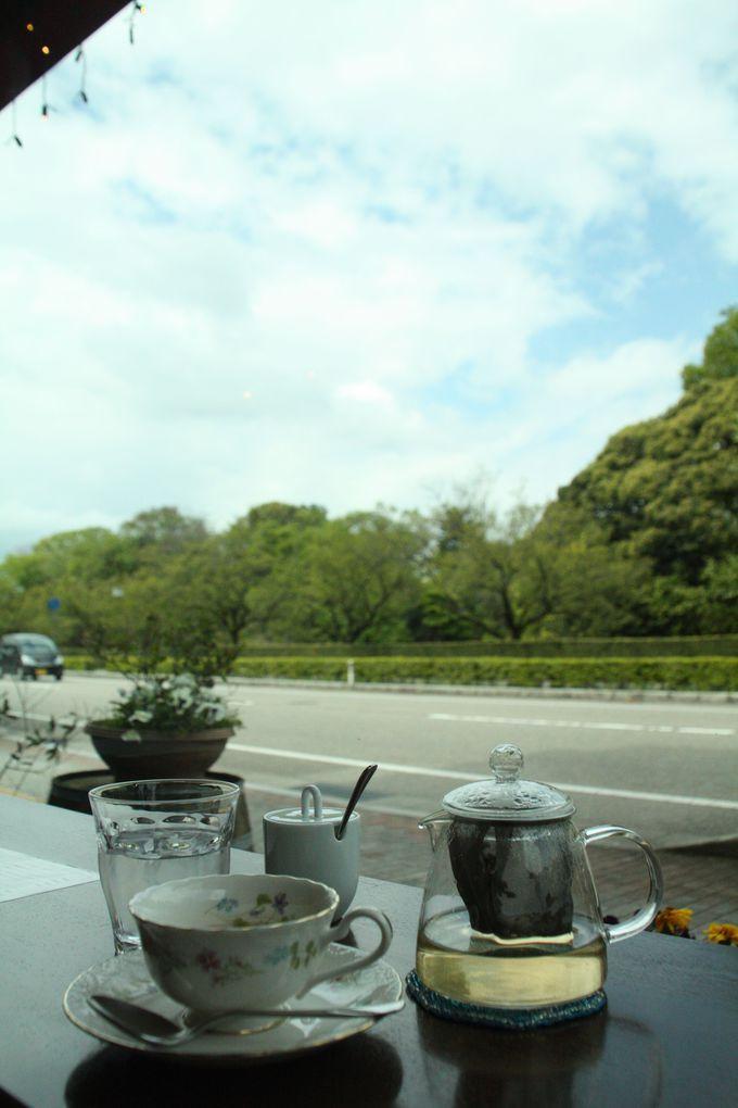 散歩の休憩には地元の野菜をふんだんに使ったカフェでひとやすみ!