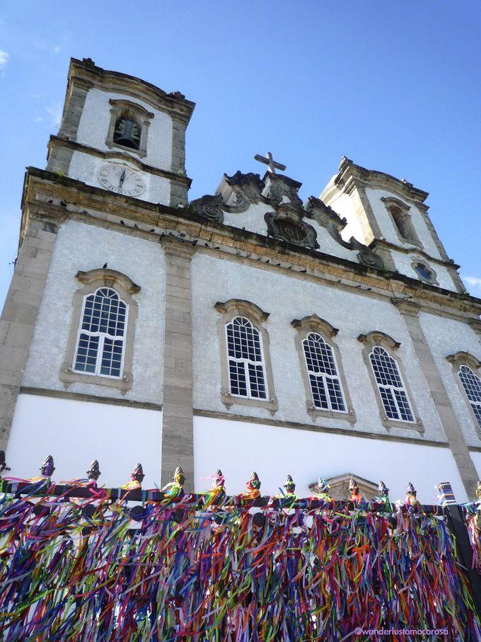 地元感たっぷりなエリア。強い信仰を集めるボンフィン教会、種類が豊富なアイスクリームショップ