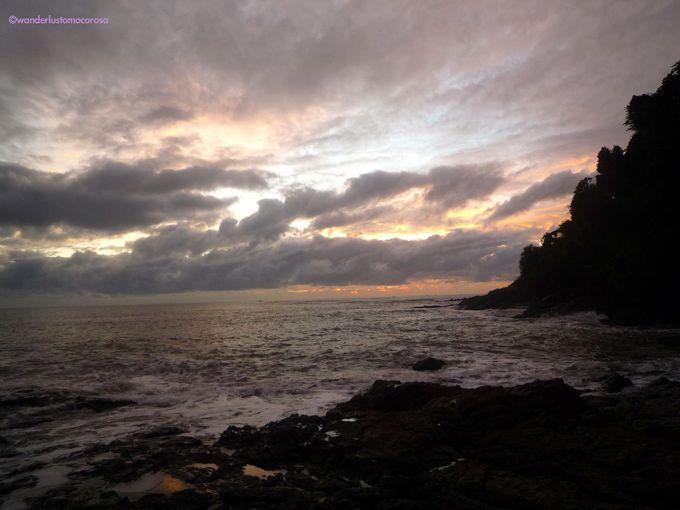 夜のスタートは12時を過ぎてから。最後は海から現れるサンライズまで眺めてみて!