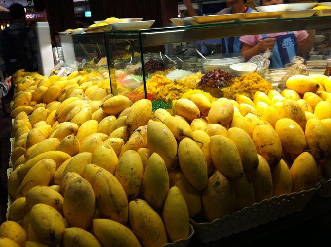 こぼれんばかりの南国フルーツたち