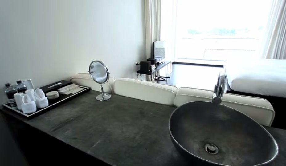 白と黒のツートンが印象的!モダンシックなお部屋