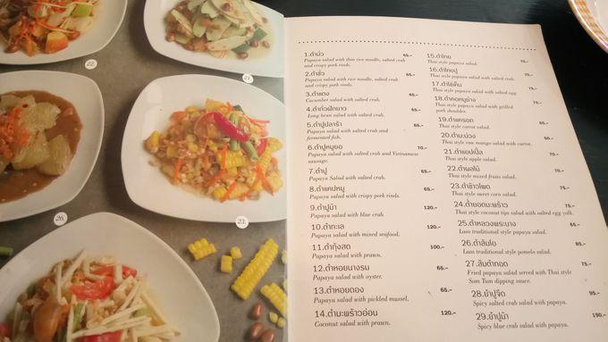 タイの定番サラダ「ソムタム」は30種類近いラインナップ