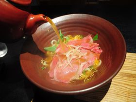 彦根城下「麺匠ちゃかぽん」!熱々お出汁で近江牛をしゃぶしゃぶに!|滋賀県|トラベルjp<たびねす>