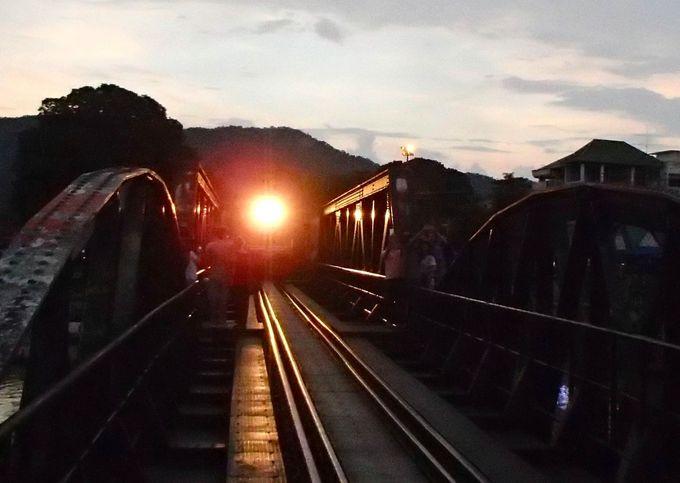 映画「戦場にかける橋」のクウェー川鉄橋へ