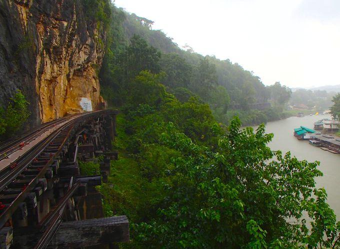 断崖絶壁の木造橋「アルヒル桟道橋」