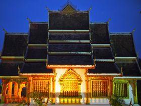 ラオス仏教の聖地「ルアン・パバン」で托鉢を体験してみよう