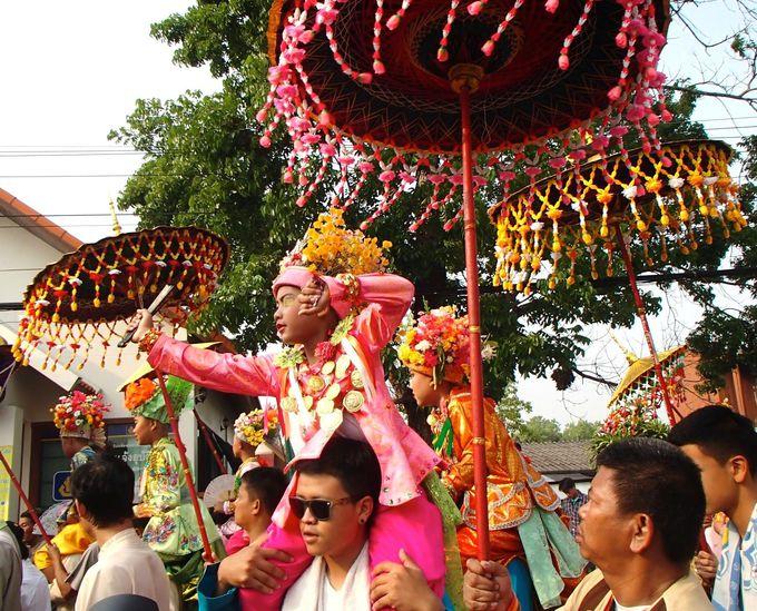 「ポイサンロン」はタイ・ヤイ族の出家の儀式