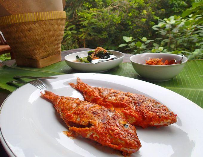 滞在中は食事付き!インドネシアのローカルフードに舌鼓