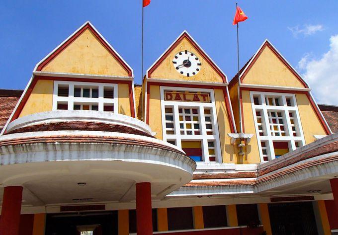 ベトナムでいちばん美しいといわれる「旧ダラット駅舎」へ