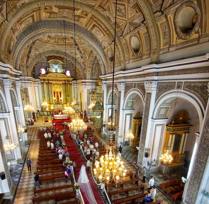 聖堂は天井や壁面に注目!よくよく見てみると・・・