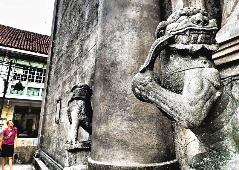 カオスな街の世界遺産!フィリピン・マニラの聖堂でミステリアスを探して