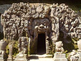 ウブドの不思議といえばここ!謎の「ゴア・ガシャ」遺跡はバリの世界遺産