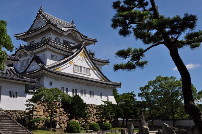 白く輝く岸和田のお城