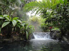 ラテンの露天風呂はこんな感じ!コスタリカ「タバコンリゾート」