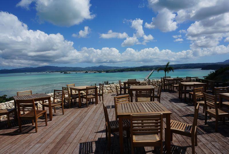 沖縄の新名所!古宇利オーシャンタワーの併設カフェ大公開!リゾートカフェの絶景は絵画の世界