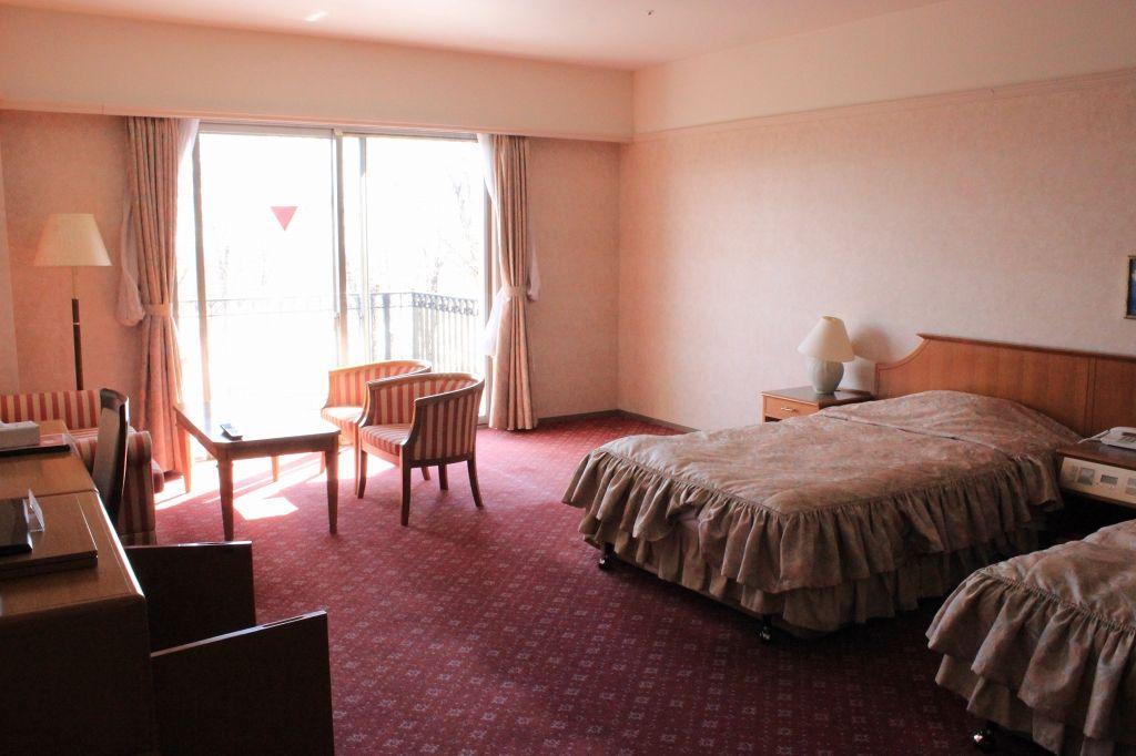 各客室は自然の光が注ぎこみ、大草原が見渡せる、癒しの空間!