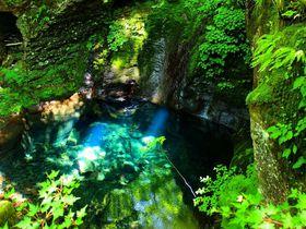 幻の「おしらじの滝」へ!那須塩原 秘境スッカン沢と桜沢で3滝巡り|栃木県|トラベルjp<たびねす>