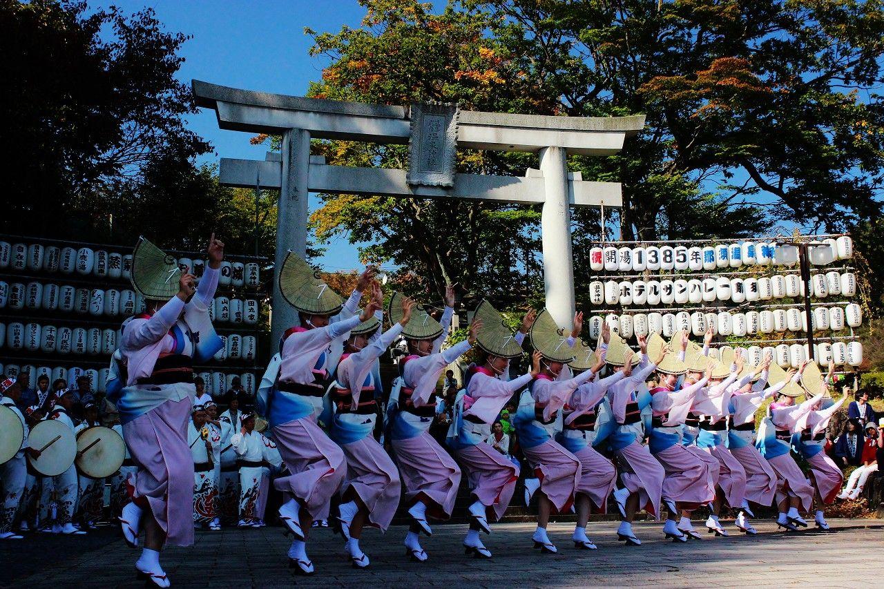 式年例大祭には本場四国徳島の「天水連」が阿波踊りを奉納!
