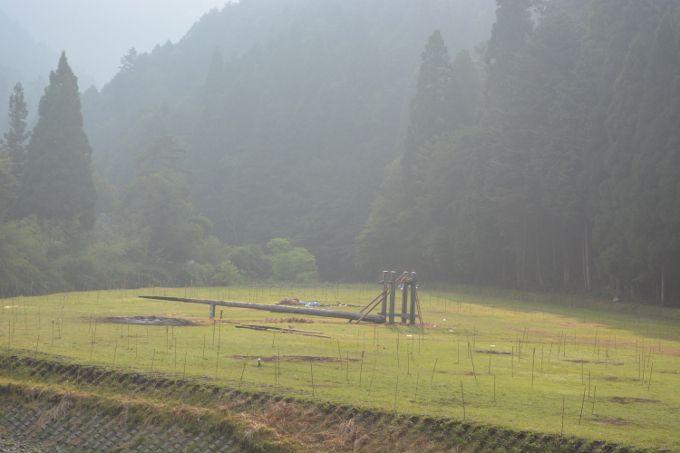 祭りの場所の翌朝の風景