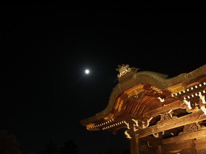 勅使門の上の十五夜