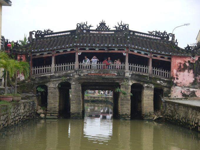 友好の象徴の日本橋(来遠橋)