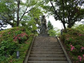 福井市のパワースポット「足羽神社」は駅から「恐竜」の出迎えつき!|福井県|トラベルjp<たびねす>
