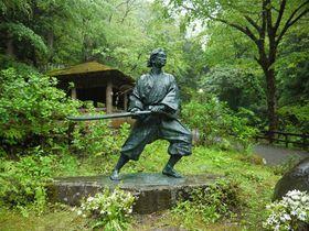 福井・一乗滝、一乗谷は歴史ロマンの宝庫だ!剣豪「佐々木小次郎」伝説もあるぞ