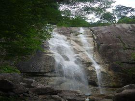 日本の滝百選・南木曽「田立の滝」はマイナスイオン溢れる瀑布群だ!|長野県|トラベルjp<たびねす>