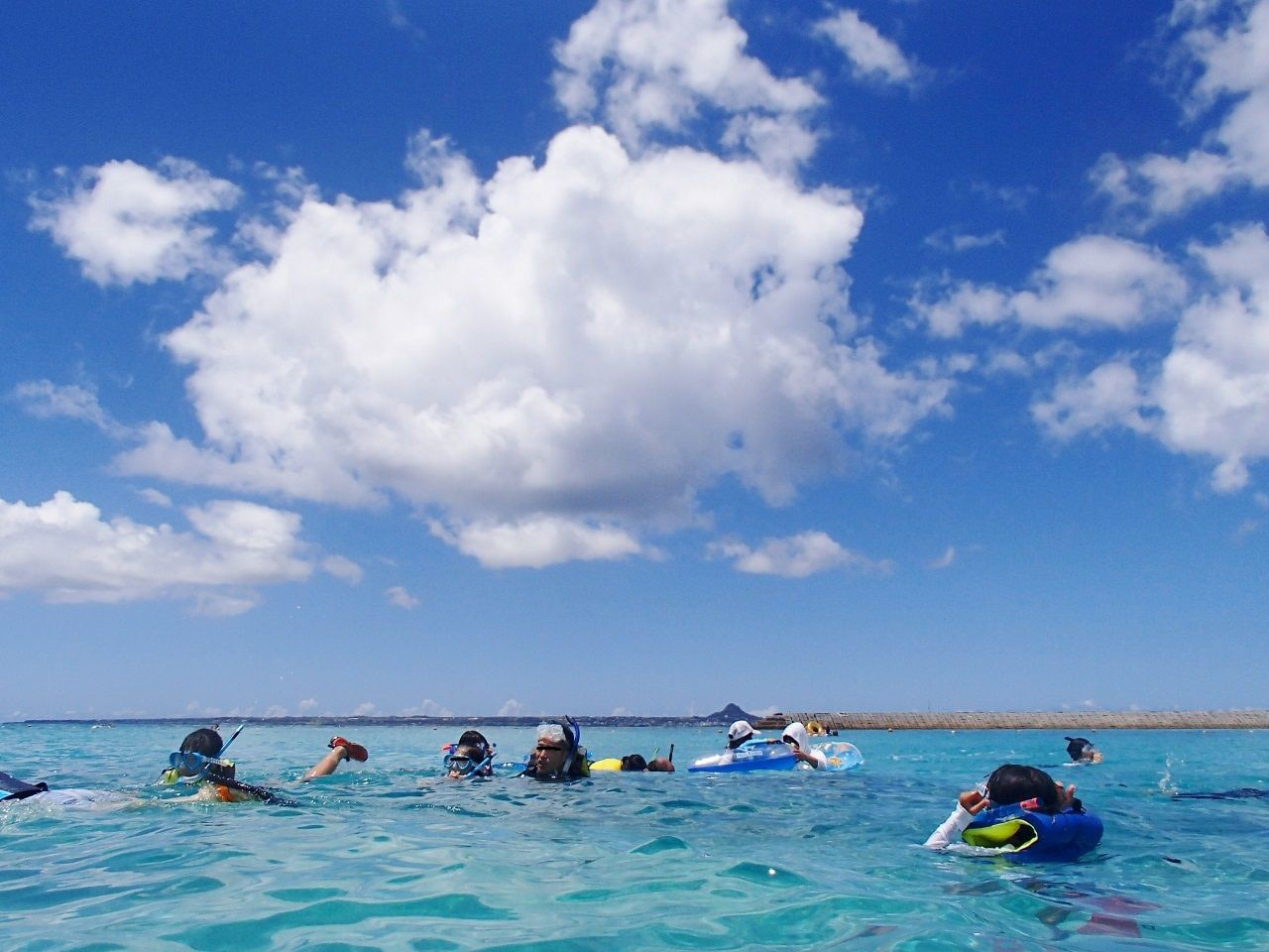 「水納ビーチ」で海水浴を楽しむ!