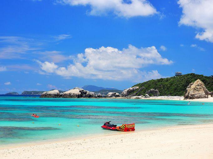 ケラマブルーの感動を!「阿波連ビーチ」で海水浴を楽しむ