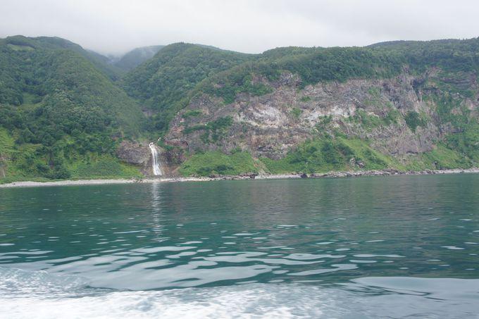 硫黄が流れる〜カムイワッカの滝〜