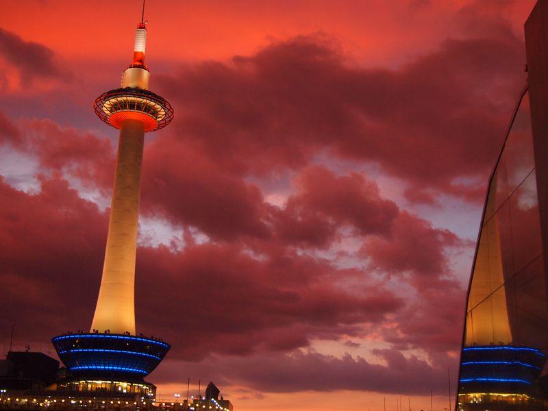 京都らしい建物とのコラボも素敵な「夕焼け」スポット5選