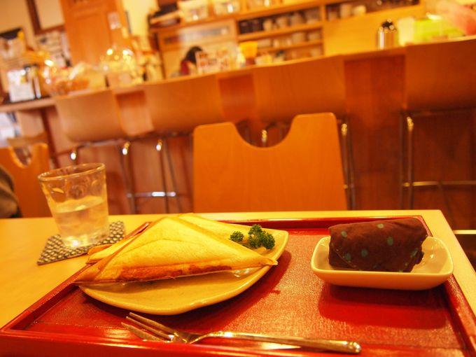 敷地内のカフェ「ぽっ♪カフェ」