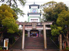 ステンドグラスが珍しい金沢「尾山神社」はライトアップも美しい